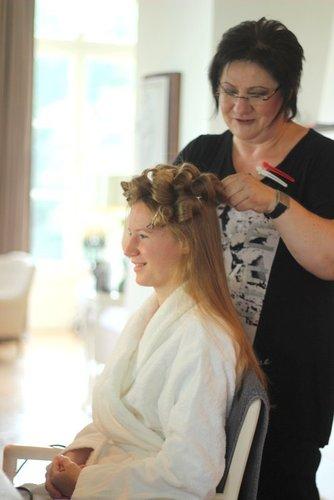 Ihr Braut Styling Frisur Make Up Alles Aus Einer Hand In